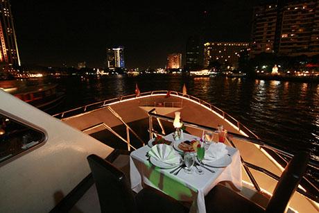 泰國曼谷夜遊湄南河昭披耶公主號自助晚餐,湄南河自助晚餐,夜遊湄南河遊船,曼谷自助晚餐