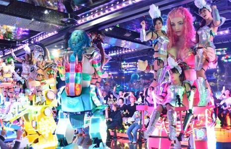 東京機器人餐廳,機器人餐廳東京,新宿機器人餐廳,機器人餐廳,機器人餐廳新宿