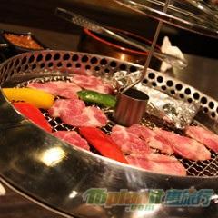 """【曼谷】泰國首間機器人餐廳,名字叫""""春"""""""