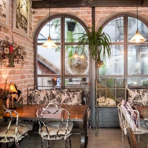 曼谷教堂式咖啡店---B story Cafe